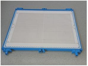 Mikroelektroden werden mittels Siebdruckverfahren auf der PES-Membran aufgebracht und erzeugen ein elektrisches Feld, welches Partikel von der Filterkuchenbildung abhält.