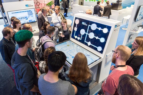 Der Touchtable dient der anschaulichen und interaktiven Vermittlung von Wissen durch Visualisierung der Forschungsideen und –ergebnisse.