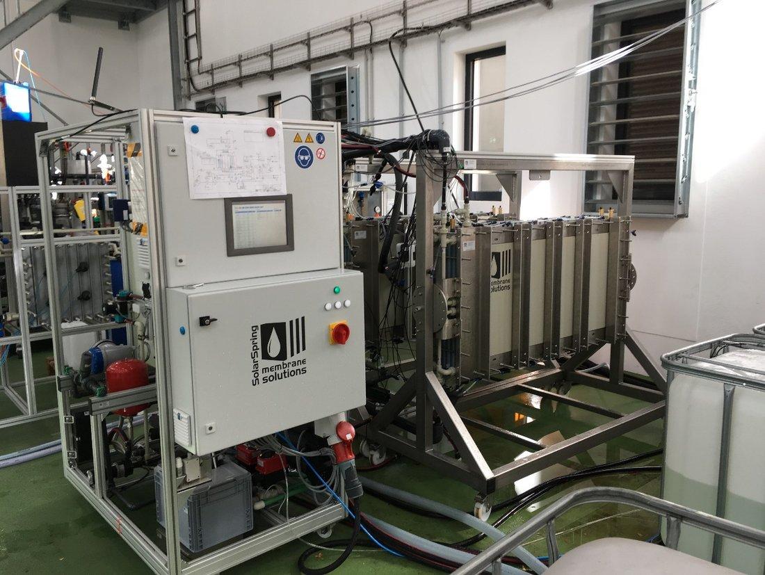 Membrandestillationsanlage am Pilotstandort der DEK in Berlin